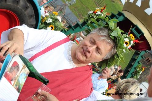 tww-toga-fun-with-wine-www-travelwithwendy-net