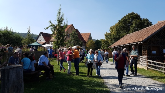 tww-walking-the-fest-wackershofen-www-travelwithwendy-net