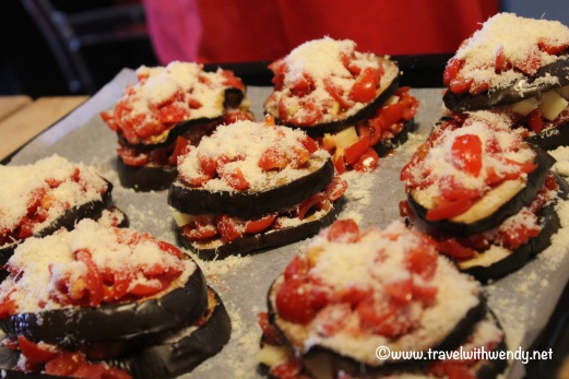travel-with-wendy-cooking-in-italy-eggplant-parmigiana