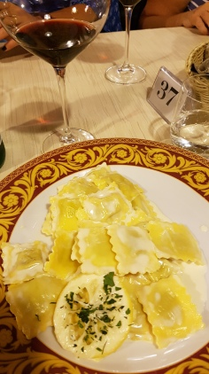 travel-with-wendy-cooking-in-italy-lemon-ravioli-la-luna
