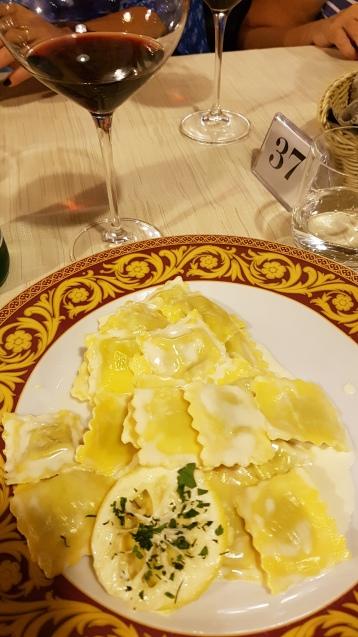 travel-with-wendy-cooking-in-italy-lemon-ravioli-la-luna