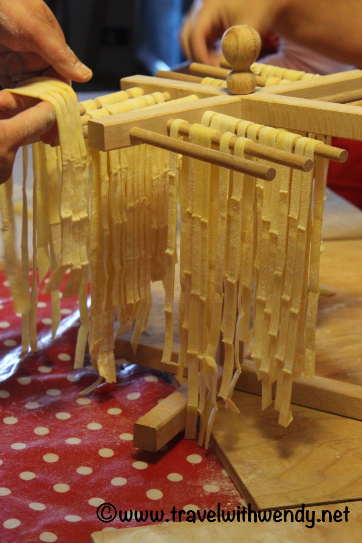 travel-with-wendy-cooking-in-italy-linguine-pasta