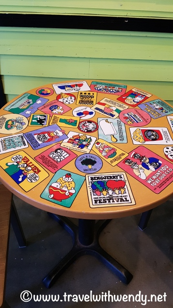 travel-with-wendy-bennjerry-table-fall-in-love-with-vermont-www-travelwithwendy-net