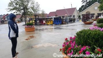 Rain won't keep us away - old fashion fun at Barefoot Landing