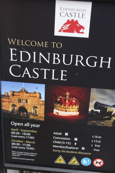 EDINBURGH CASTLE & TOUR