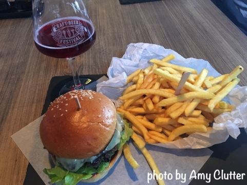 Pretty picture at KraftPaule - burgers and fries