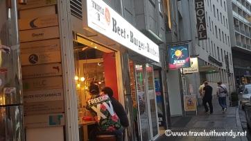 Entrance to the store - Meridianplatz