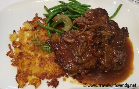 Zweibelrostbraten (Beef Roast with Onions)