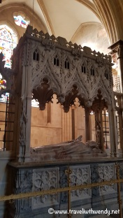 Crypt of Sir