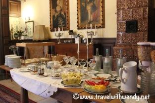 Breakfast in the castle